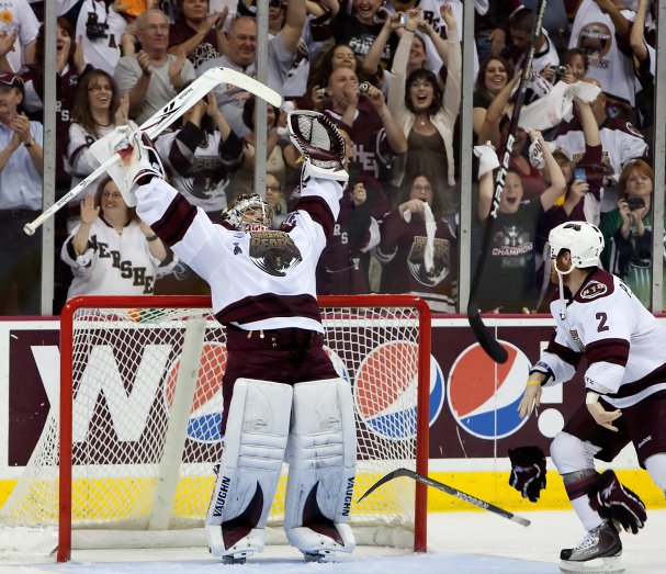 Michal Neuvirth raises his arms to the sky as the Hershey Bears win their 11th Calder Cup.