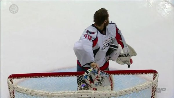 holtby-keep-yer-mask-on-please