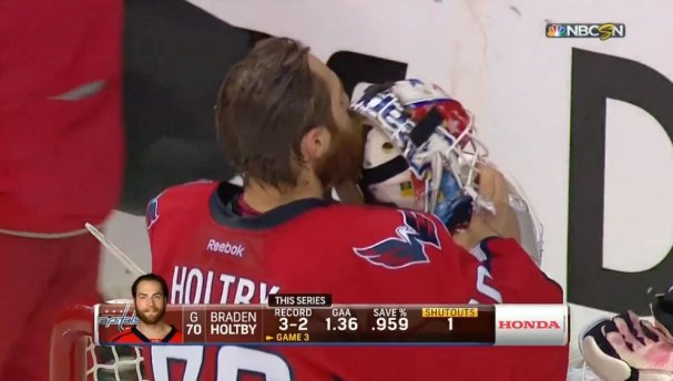 holtby-kiss