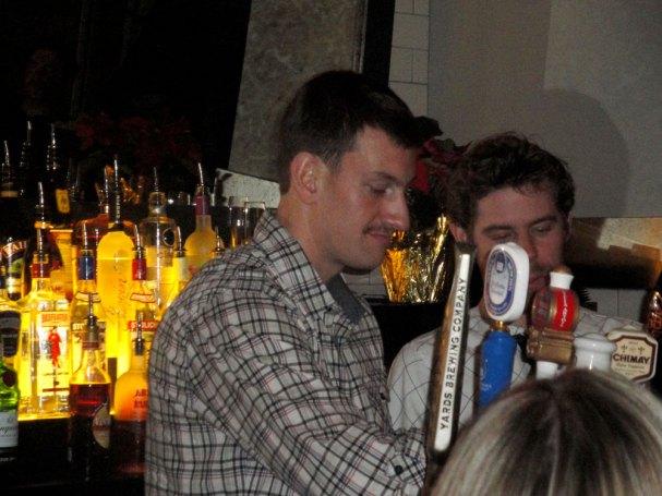 jeff-schultz-bartending