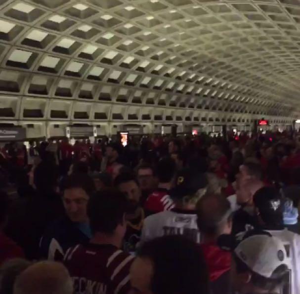 metro-caps-fans-cheering