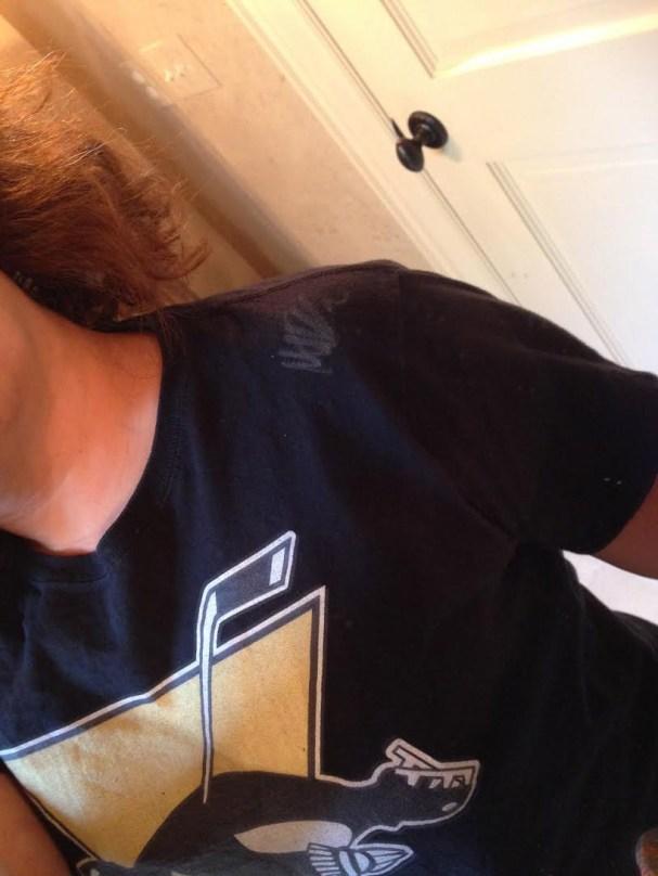 niskanen-signs-deadguins-shirt