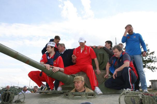 ovechkin-on-tank
