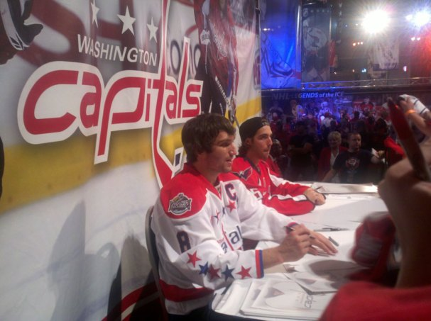 ovi-perry-signing