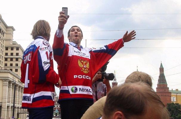 ovi-russia-parade7