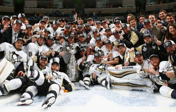 penguins-team-photo-stanley-cup
