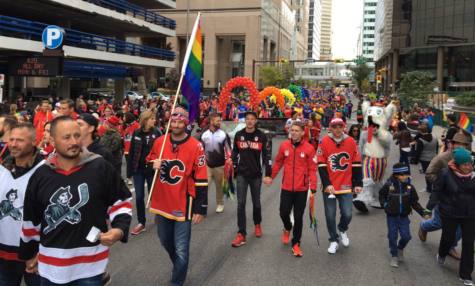 troy-brouwer-pride-parade2
