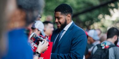 Capitals place Devante Smith-Pelly on waivers (UPDATED)