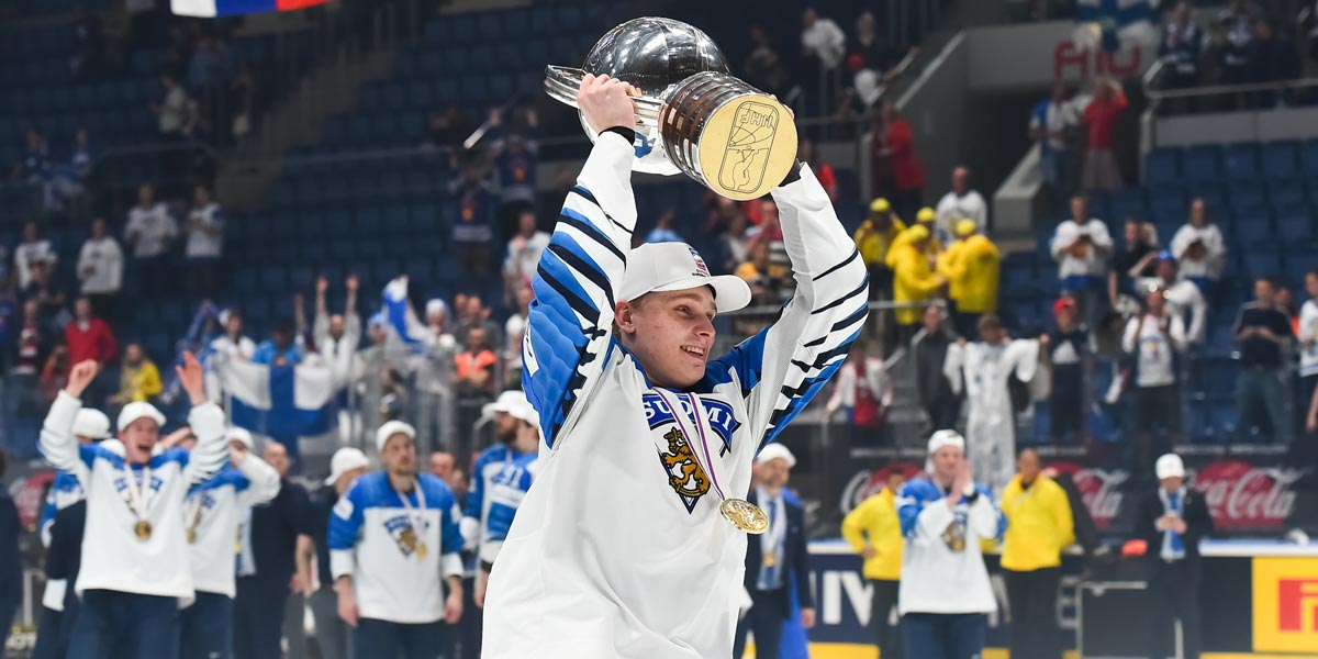 Finland wins world hockey championship, beating Canada 3-1