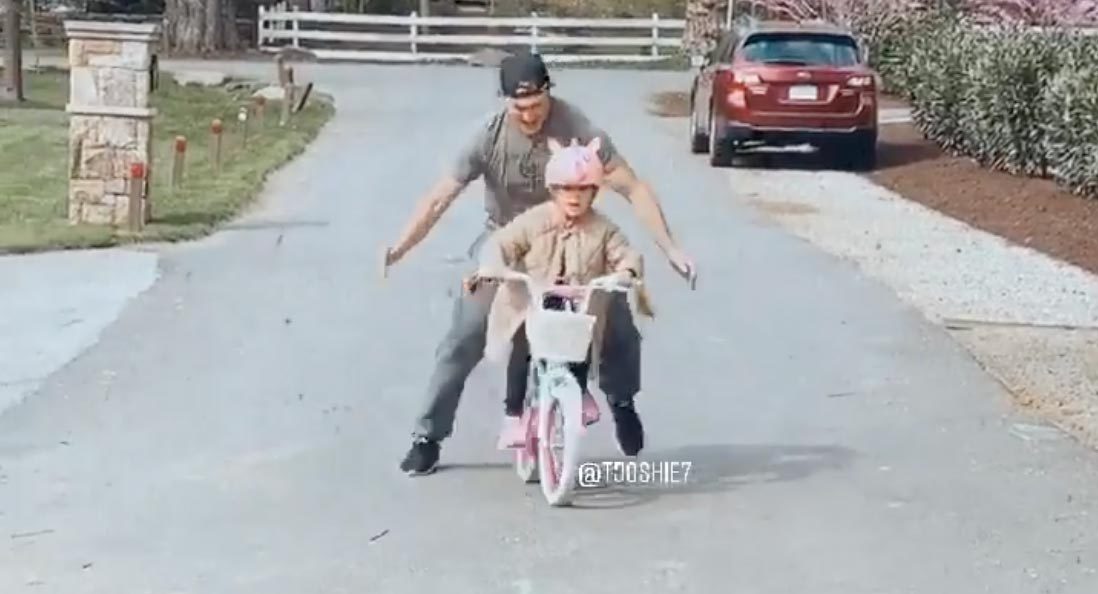 TJ Oshie teaches daughter Lyla how to ride a bike