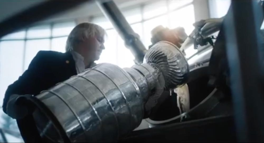 Molson Canadian releases limited-edition batch of beer passed through bowl of Stanley Cup