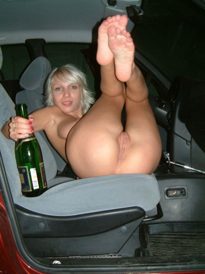Leaked Photo | Amateur blonde in the car | Mega Collection