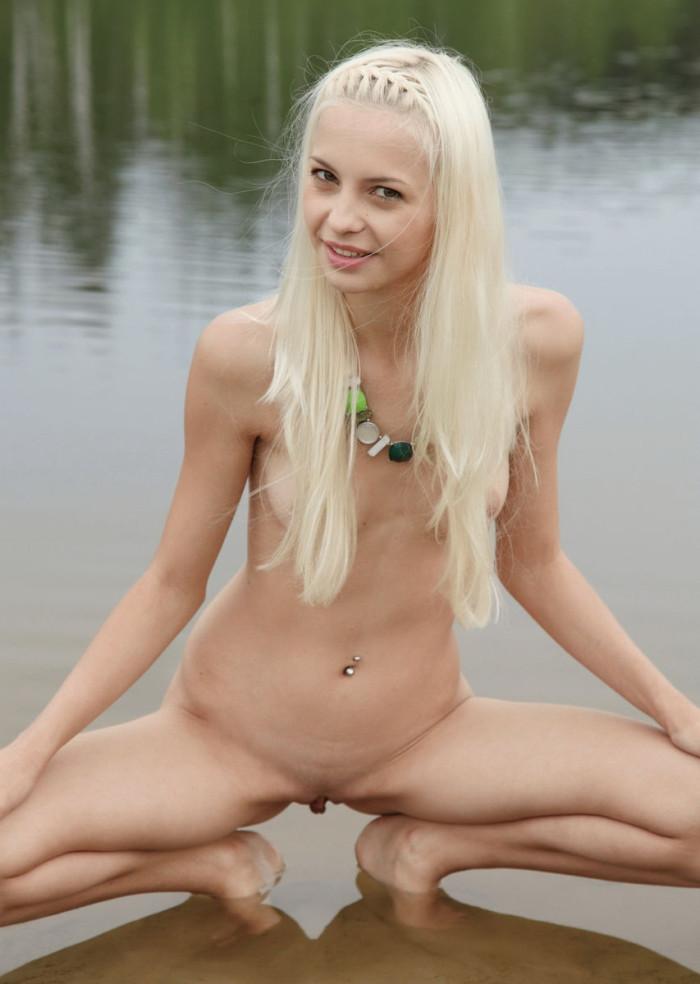 Blond Teen Nackt