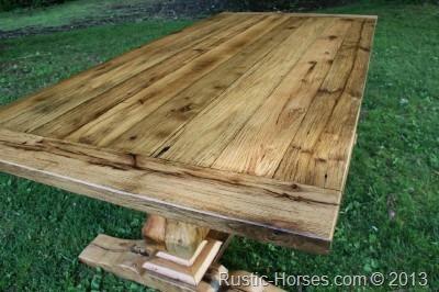 Queens table 52113
