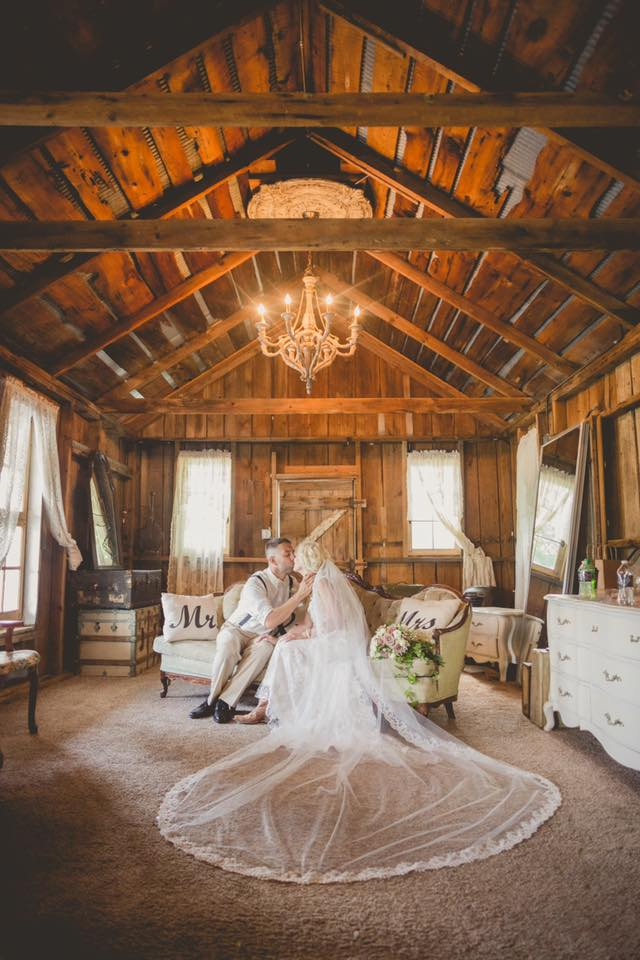 Photos Rustic Barn Weddings At The Milestone Barn