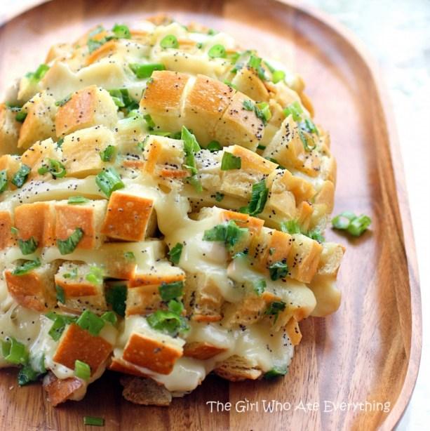 bloomin-onion-bread-wm-1022x1024
