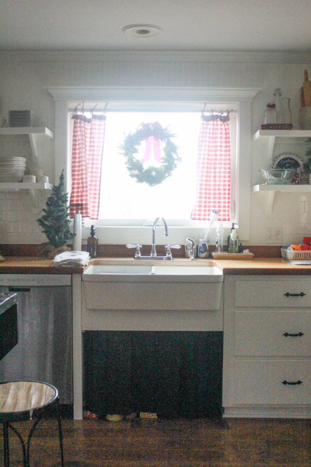 farmhouse-christmas-tour-3-of-37