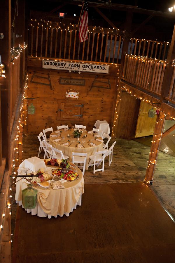 Massachusetts Barn Wedding At Smith Barn Rustic Wedding Chic