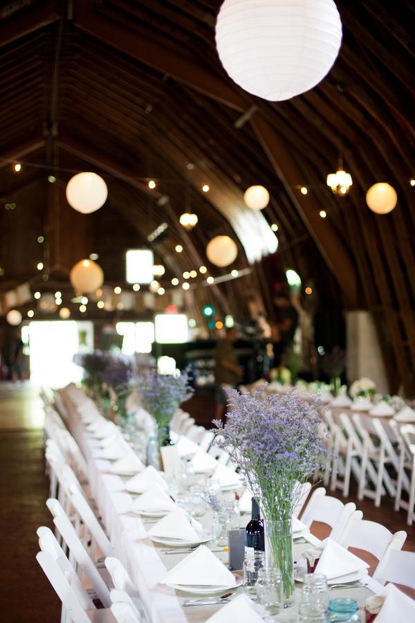 Michigan Wedding In A Barn At Blue Dress Barn Rustic Wedding Chic