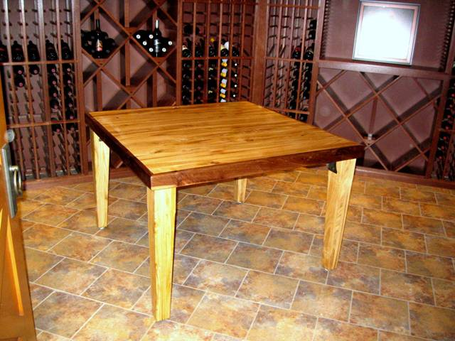 Colassal Orchards-Chestnut table