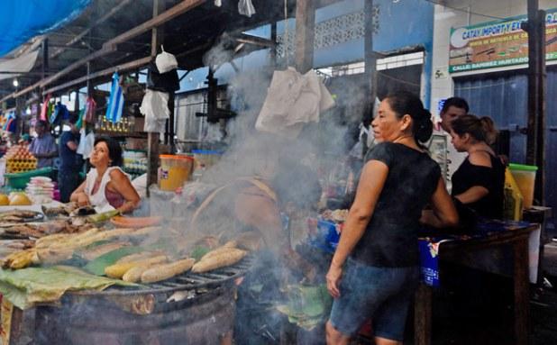 mercado belen iquitos peru