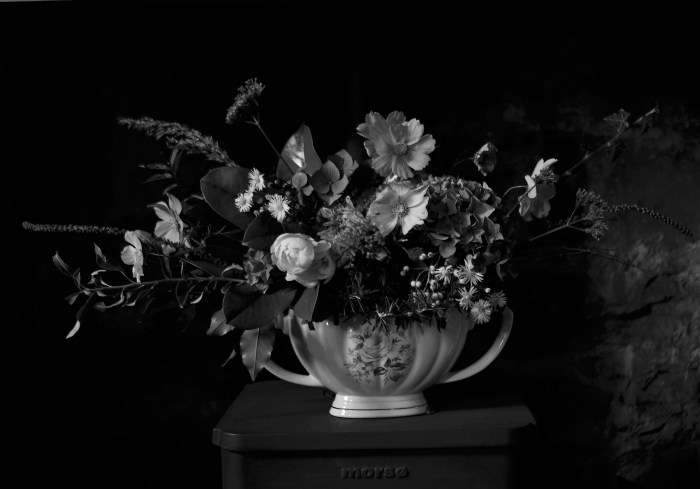 Black and White Constance Spry arrangement