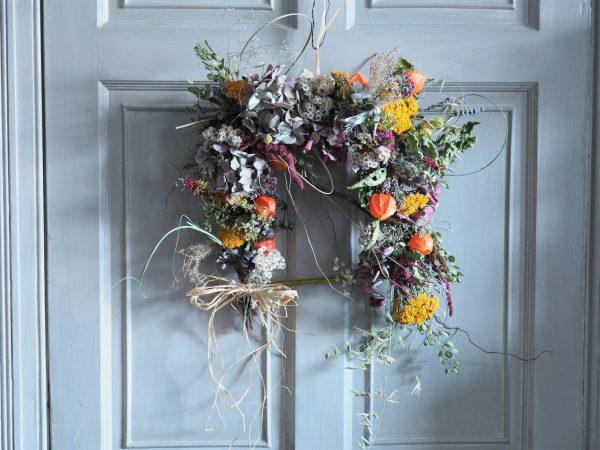 Square dried wreath
