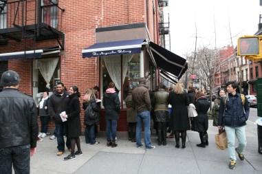 Magnolia Bakery Cupcake Line NYC