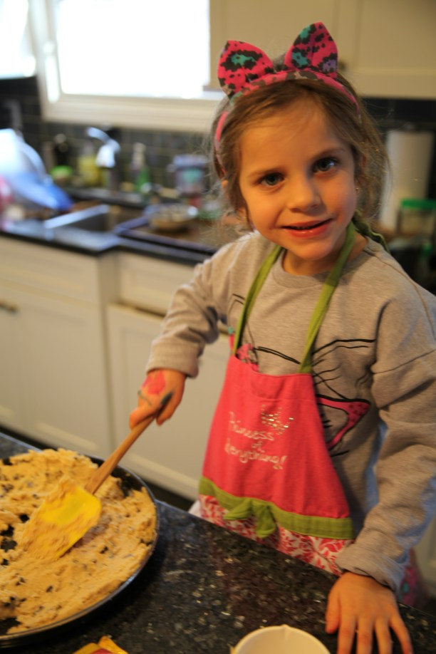 Making the cookie cake