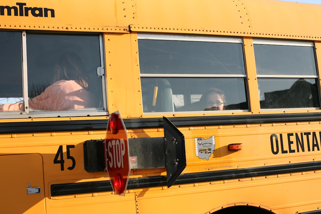 anna school bus windopw