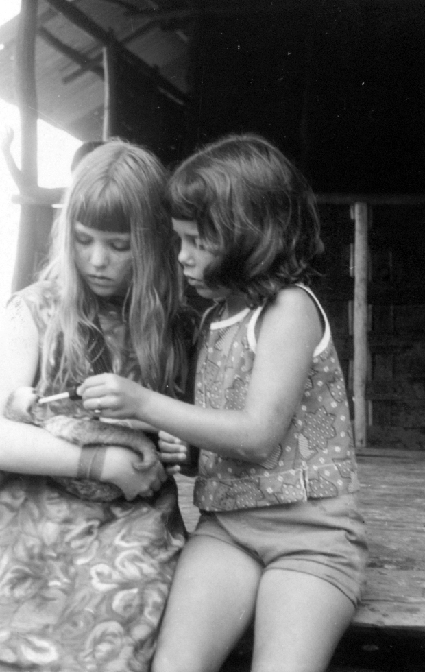 Ruthi & Becky | Suriname | 1968