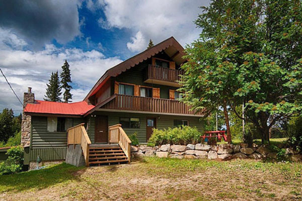 Historic Ruth Lake Lodge for groups