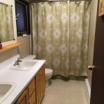 Doe shower, toilet and sinks