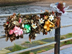 pier-wreaths-1