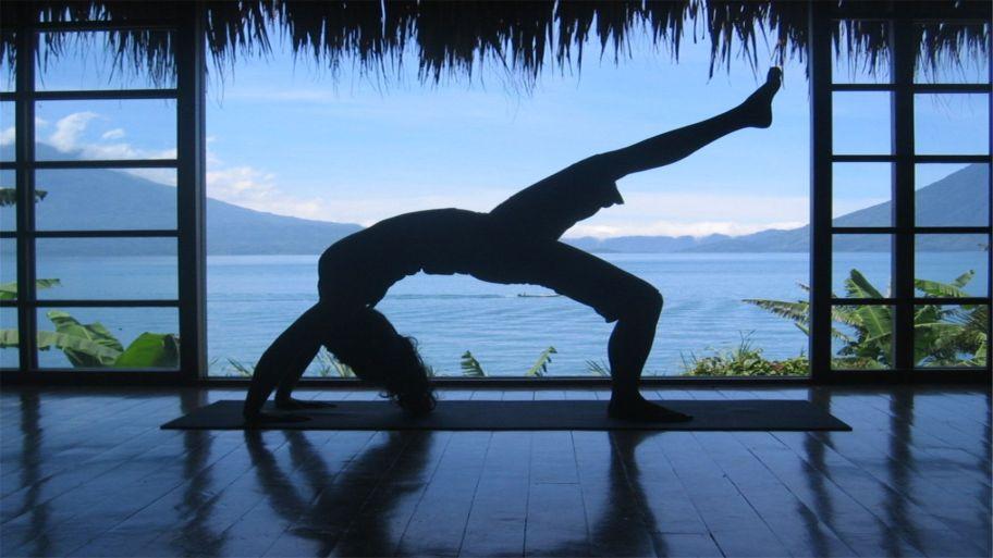 como elegir la esterilla y ropa de yoga