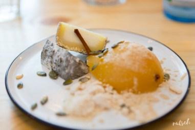 Dessert : Chèvre, poire, graine de courge