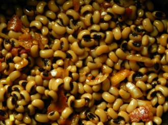 Black-Eyed-Peas-In-Slow-Cooker (1)