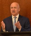 Domínguez Brito afirma es urgente aumentar salarios a sectores público y privado