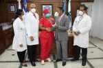Hospital Marcelino Vélez reconoce médicos y personal administrativo.