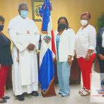 Gobernadora Julia Drullard de provincia  SD recibe en su despacho comisión encabezada por sacerdote fray Arístides Jiménez Richardson