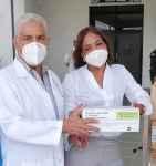 Doctora Lorenzo dona medicamentos al Hospital  Calventi en Los Alcarrizos