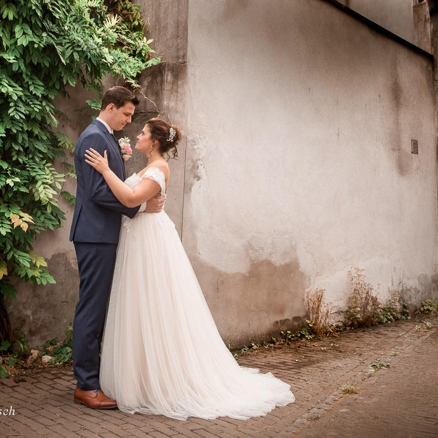 fotografie portretfotografie vervallen locaties bijzondere laten maken trouwfoto's Oosterhout Breda Tilburg Ruwmantisch bruiloft industrieel