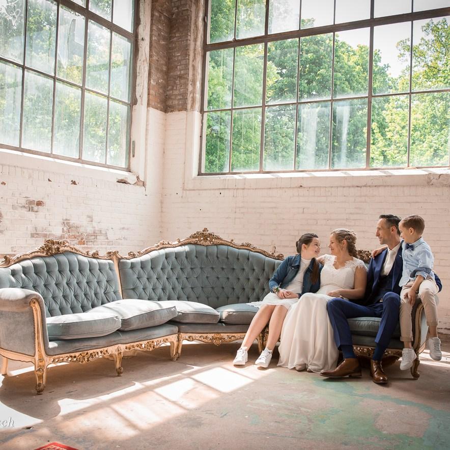 fotografen-portretfotograaf-portret-urban-exploring-industrieel-professionele-prijzen-kosten-locatie-aparte-bijzondere-bruid-trouwen-Ruwmantisch-Herthogenbos-Bergen-op-zoom-helmond