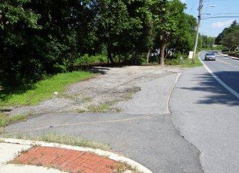 Before: Rolandvue Road at Bellona before improvements
