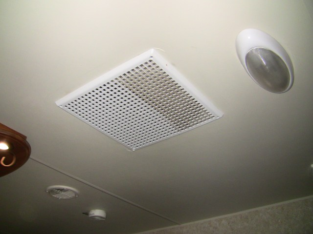 RV Air Conditioner and Return Vent