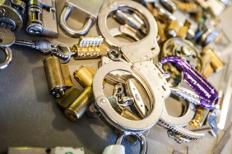 Locks/Cuffs