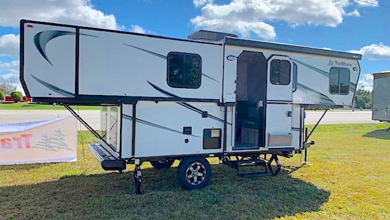 Trailmanor 2518 Series small camping trailer with bathroom