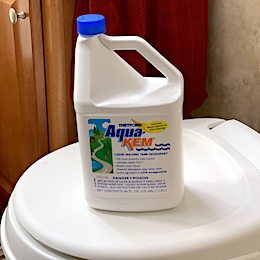 AQUAKEM RV TOILET CHEMICAL
