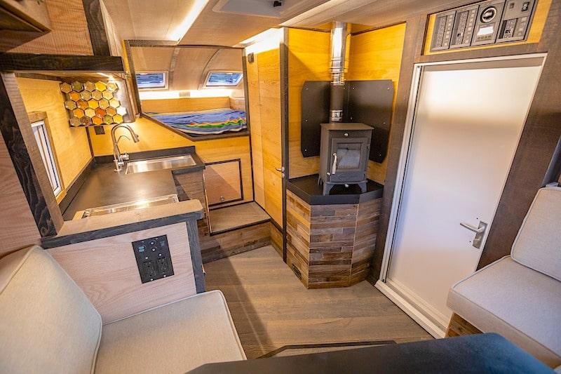 Bahn flat bed truck Camper