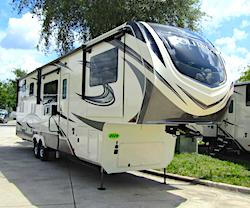 Grand Design Solitude 5th Wheel